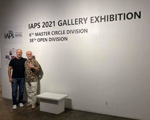 photo of Vincent Chiaramonte at the entrance of the IAPS 2021 Gallery Exhibition in Chicago